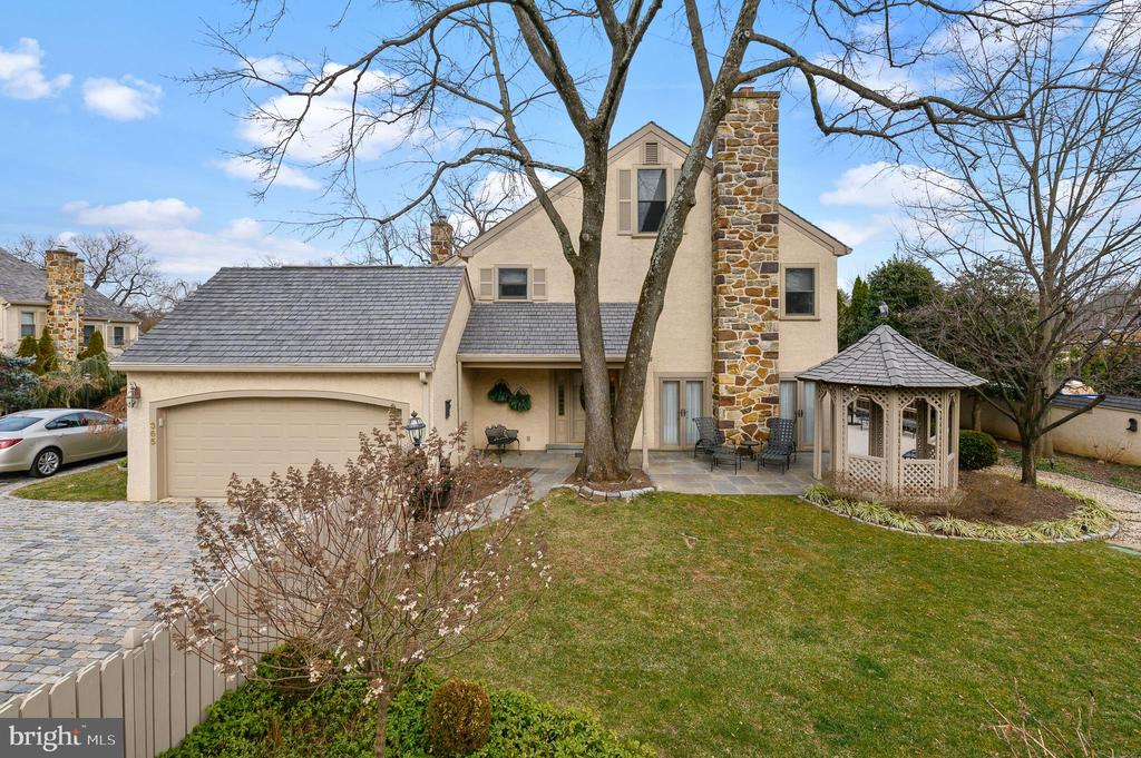 Stunning and expansive end home in Gladwyne Village!  Turn key living in the center of Gladwyne. 4 finished levels of flexiable living space.  Private  charming outdoor space.   Extraordinay Location & Lifestyle.