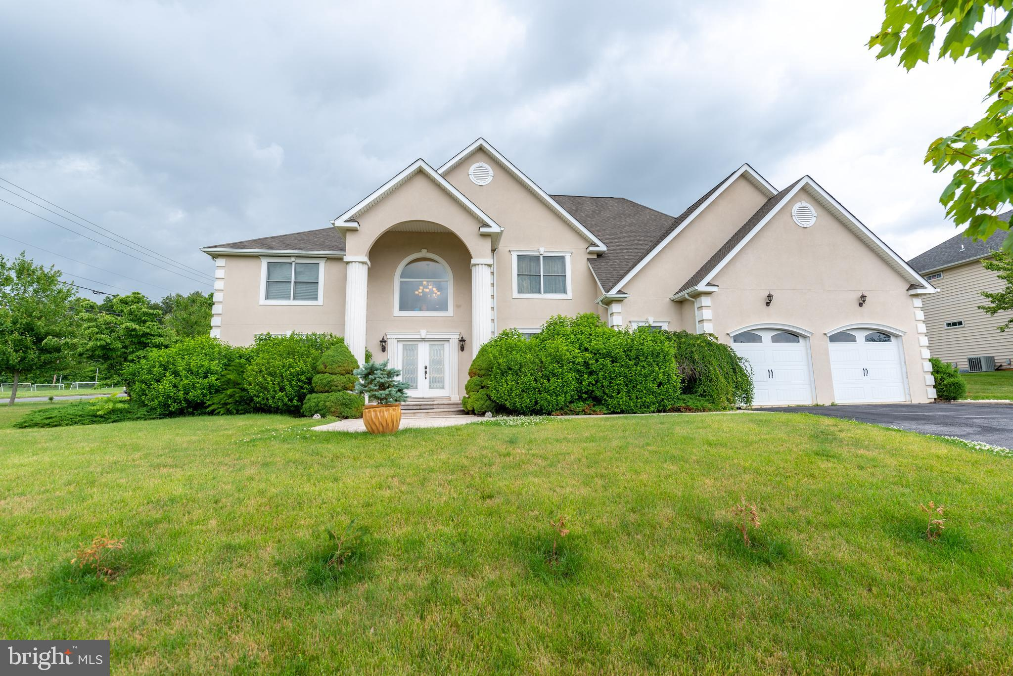 3785 AMHERST ROAD, ALLENTOWN, PA 18104