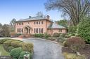 1322 Ballantrae Farm Dr