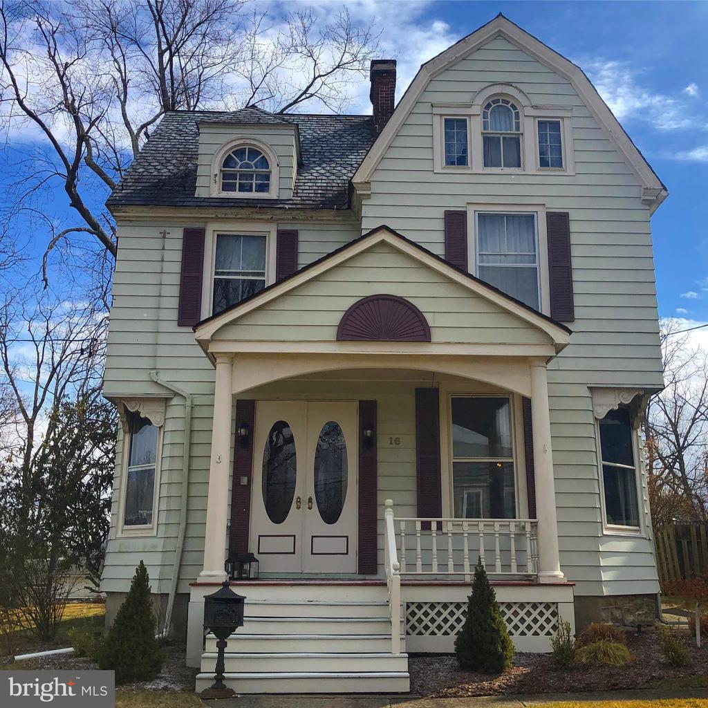 16 Linwood Avenue, Newton, NJ 07860
