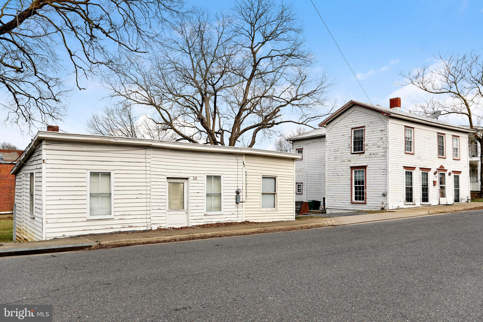 120 N CENTRAL STREET, BROADWAY, VA 22815