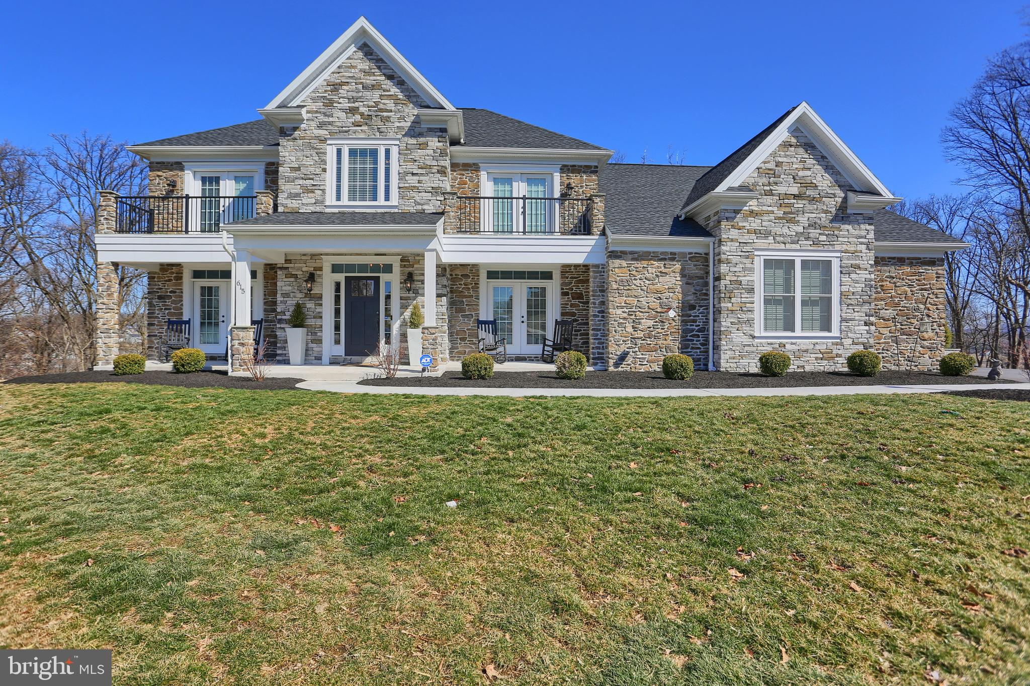 615 Autumn Court, Mechanicsburg, PA 17055