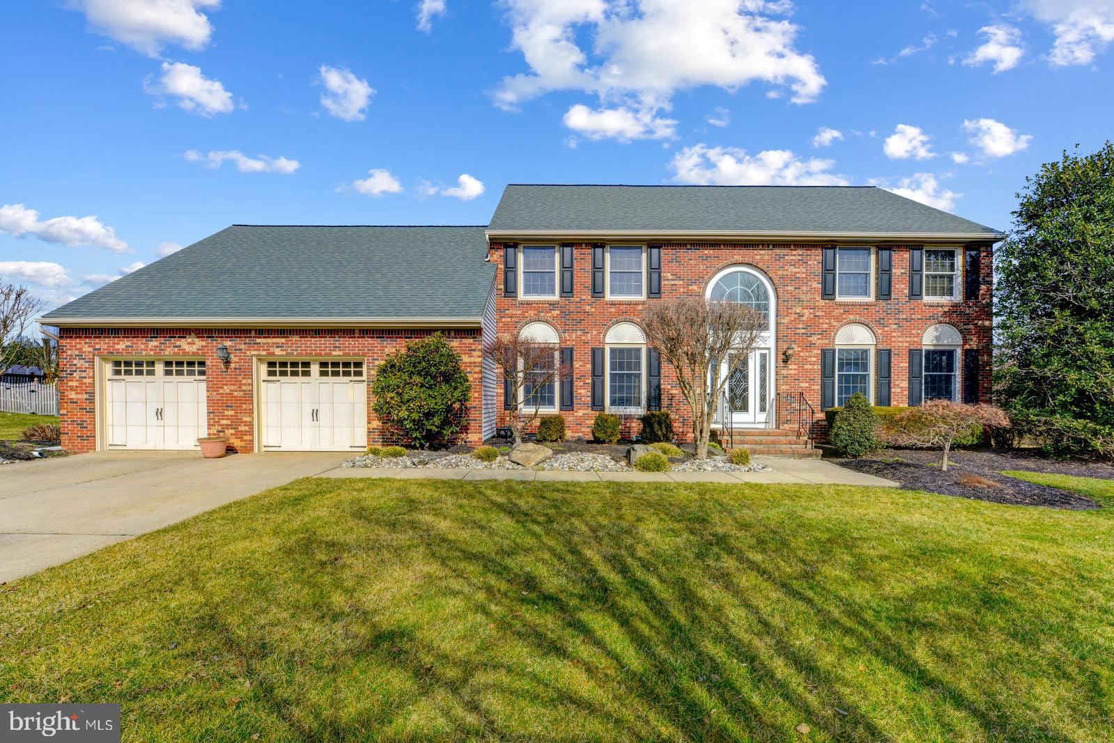 38 WAVERLY PLACE, MONMOUTH JUNCTION, NJ 08852