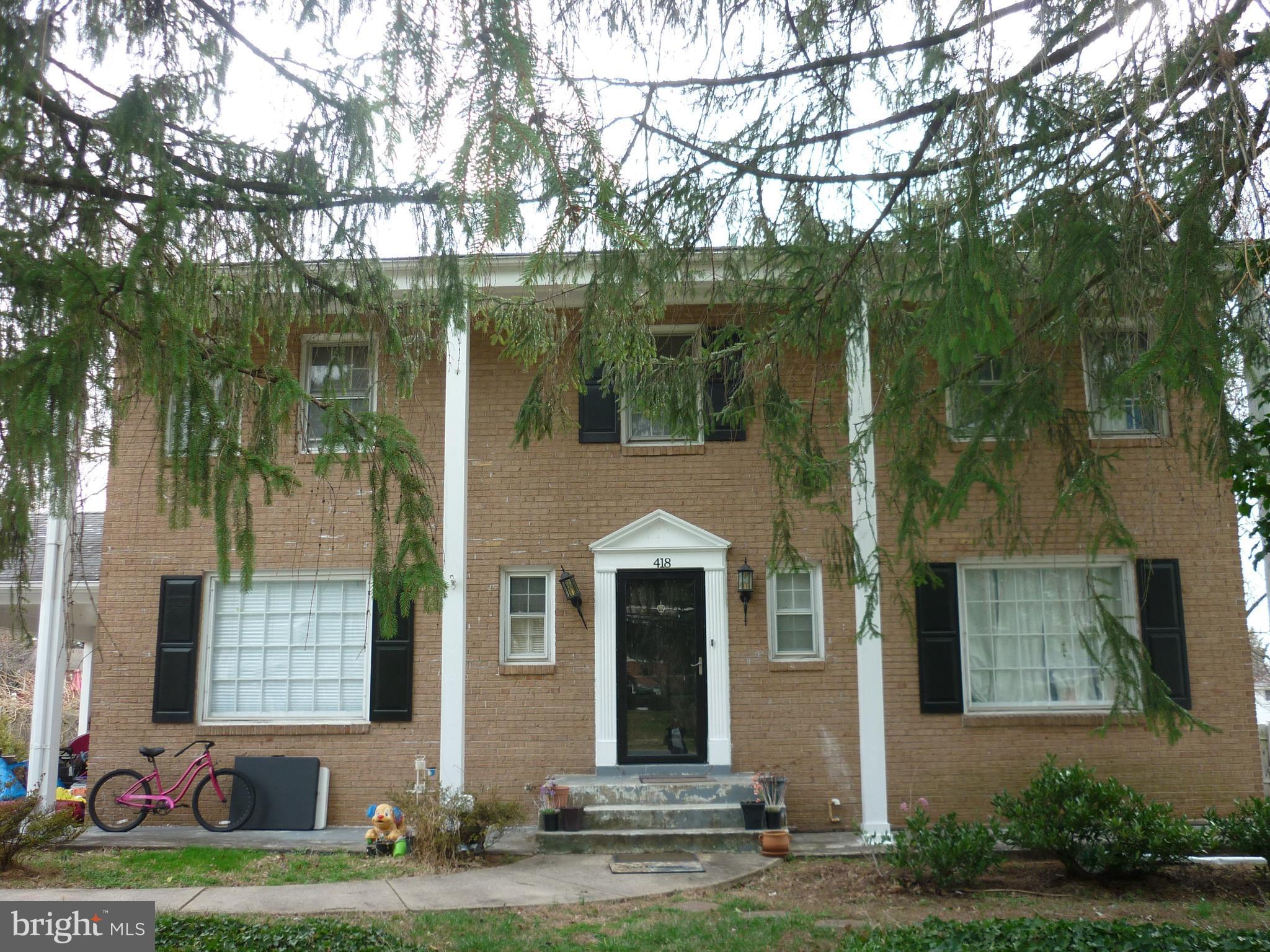 418 Old Courthouse Rd NE, Vienna, VA, 22180