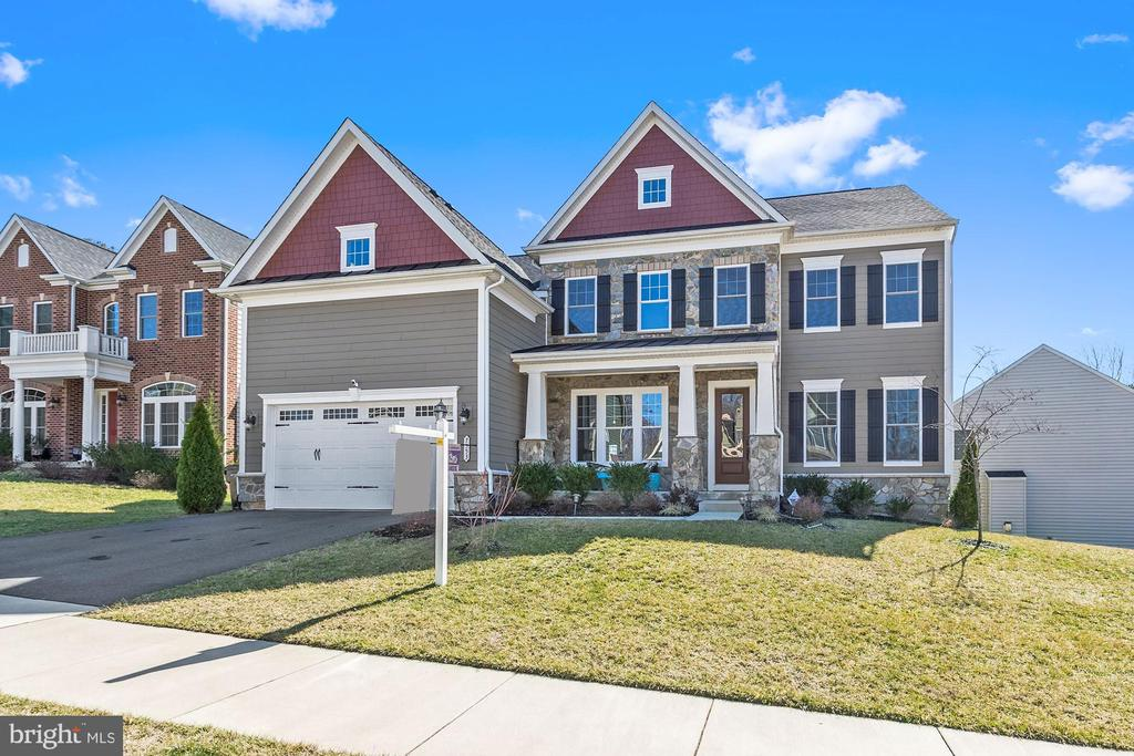 7553  GLEN POINTE COURT, West Springfield, Virginia