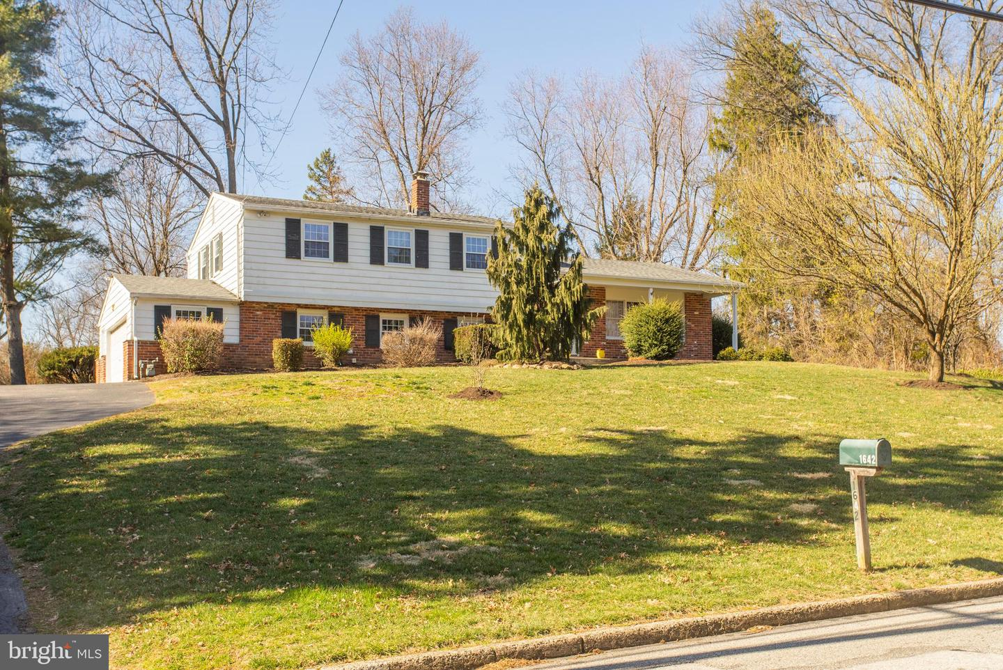 Photo of 1642 DILLON RD, AMBLER, PA 19002