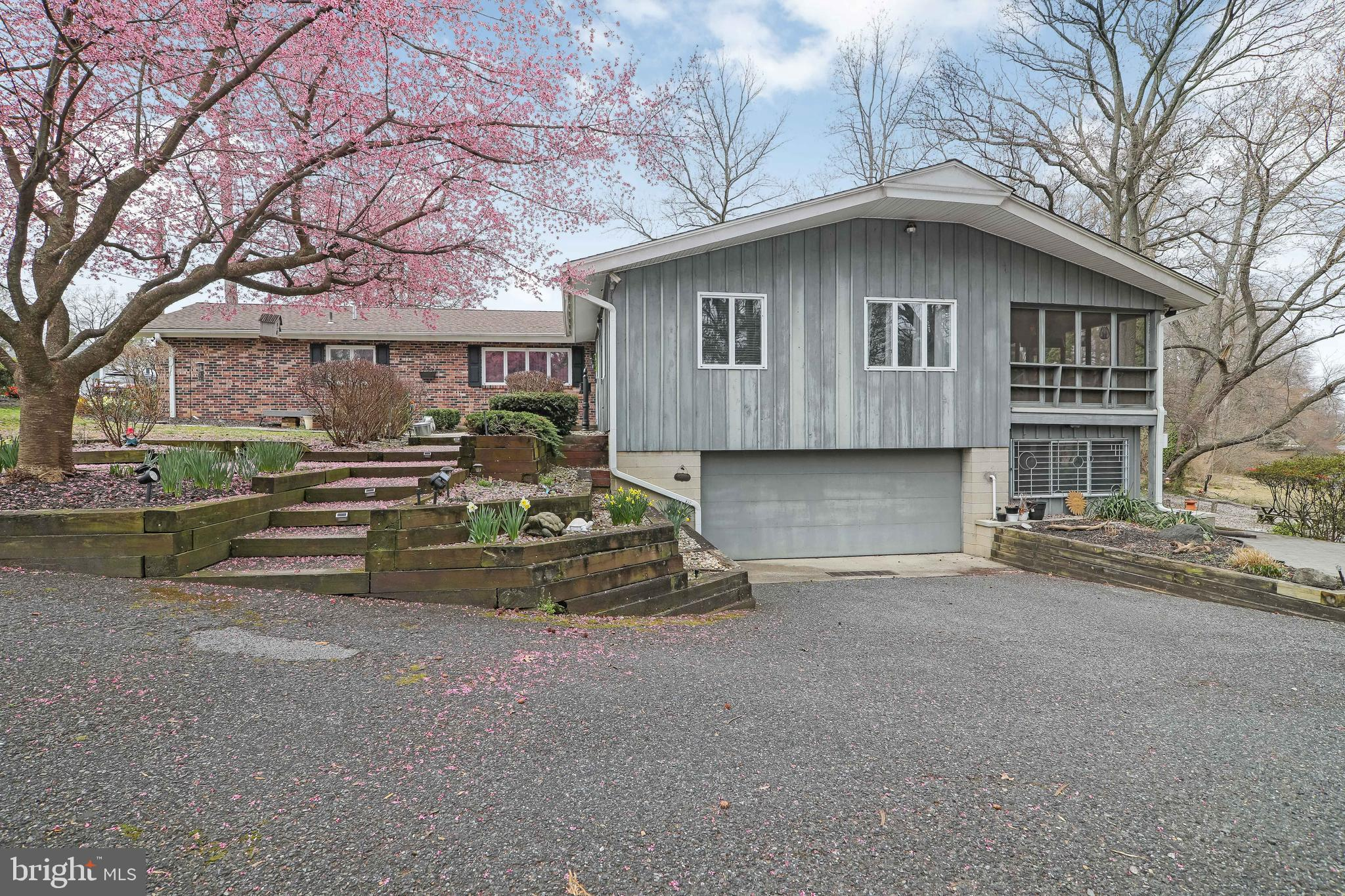 182 RUGBY PLACE, WOODBURY, NJ 08096