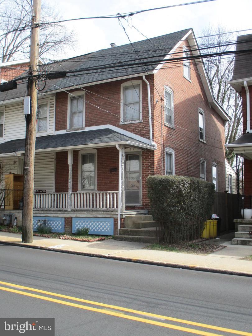 211 Ardmore Avenue Ardmore, PA 19003