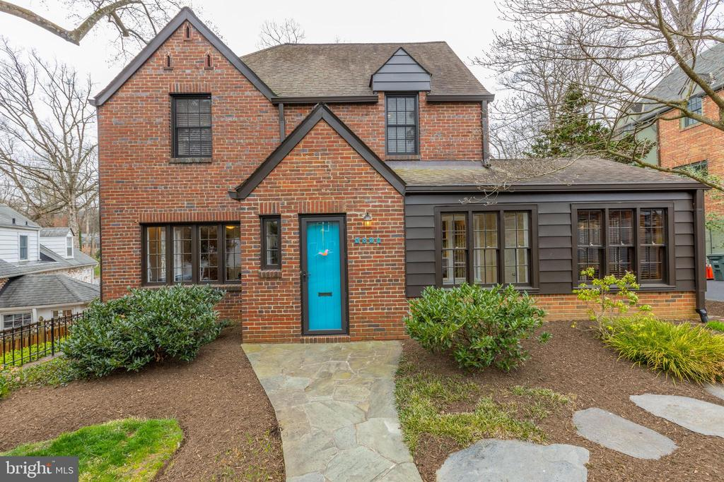 3820  CHESTERBROOK ROAD, Arlington, Virginia