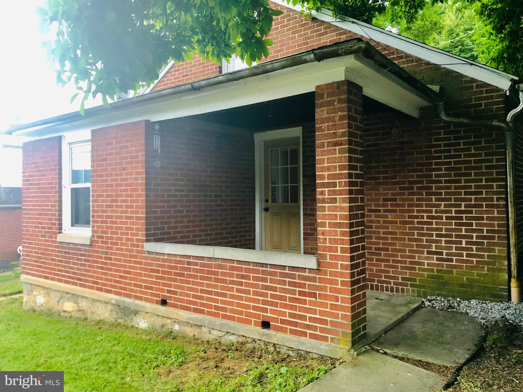 732 WILLOWBANK STREET, BELLEFONTE, PA 16823