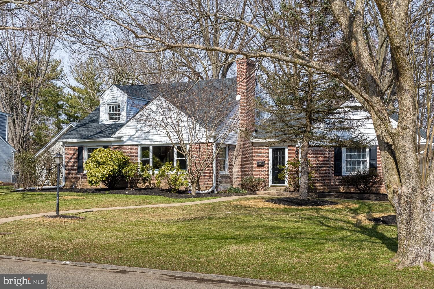 402 GOLFVIEW ROAD, WALLINGFORD, PA 19086