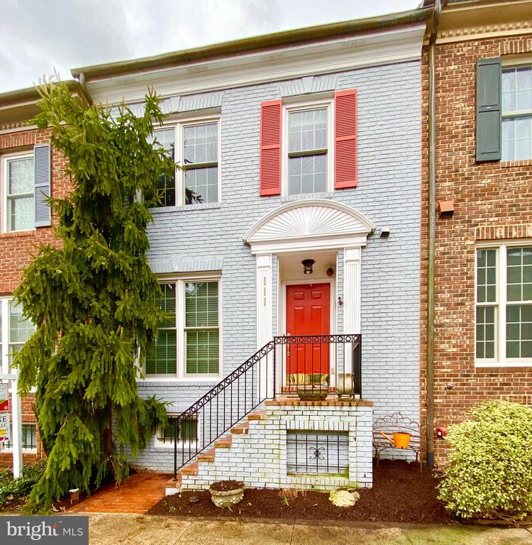 111 MASSBURY STREET, GAITHERSBURG, Maryland 20878, 3 Bedrooms Bedrooms, 3 Rooms Rooms,3 BathroomsBathrooms,Residential,For Sale,MASSBURY,MDMC700846