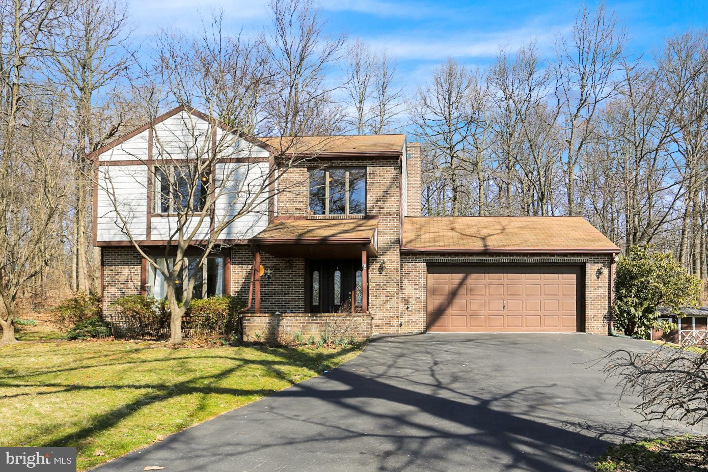 165 FIVE POINT ROAD, ROBESONIA, PA 19551