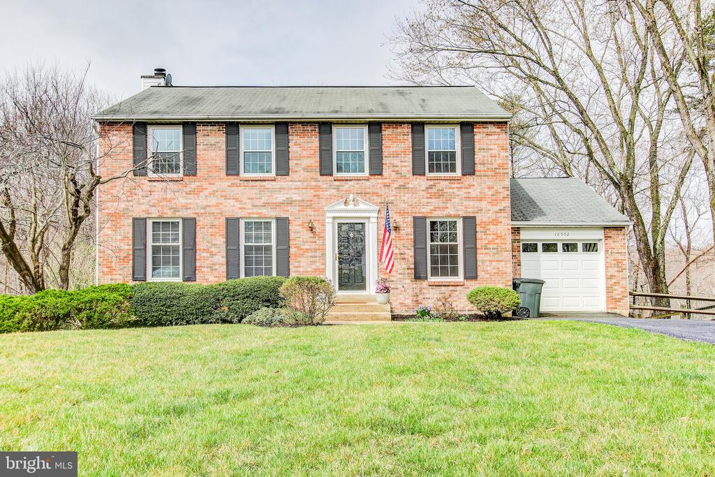 16552 SIOUX LANE, GAITHERSBURG, MONTGOMERY Maryland 20878, 5 Bedrooms Bedrooms, ,3 BathroomsBathrooms,Residential,For Sale,SIOUX,MDMC700790