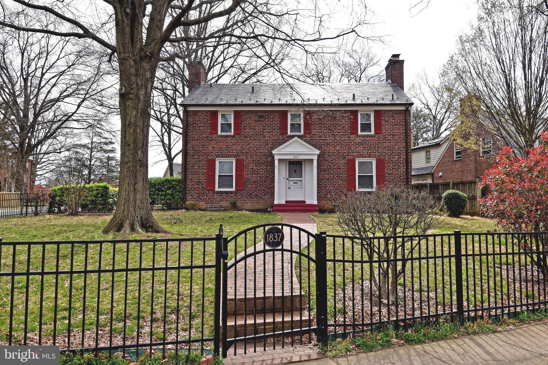 1837 Hartford Street   - Arlington, Virginia 22201