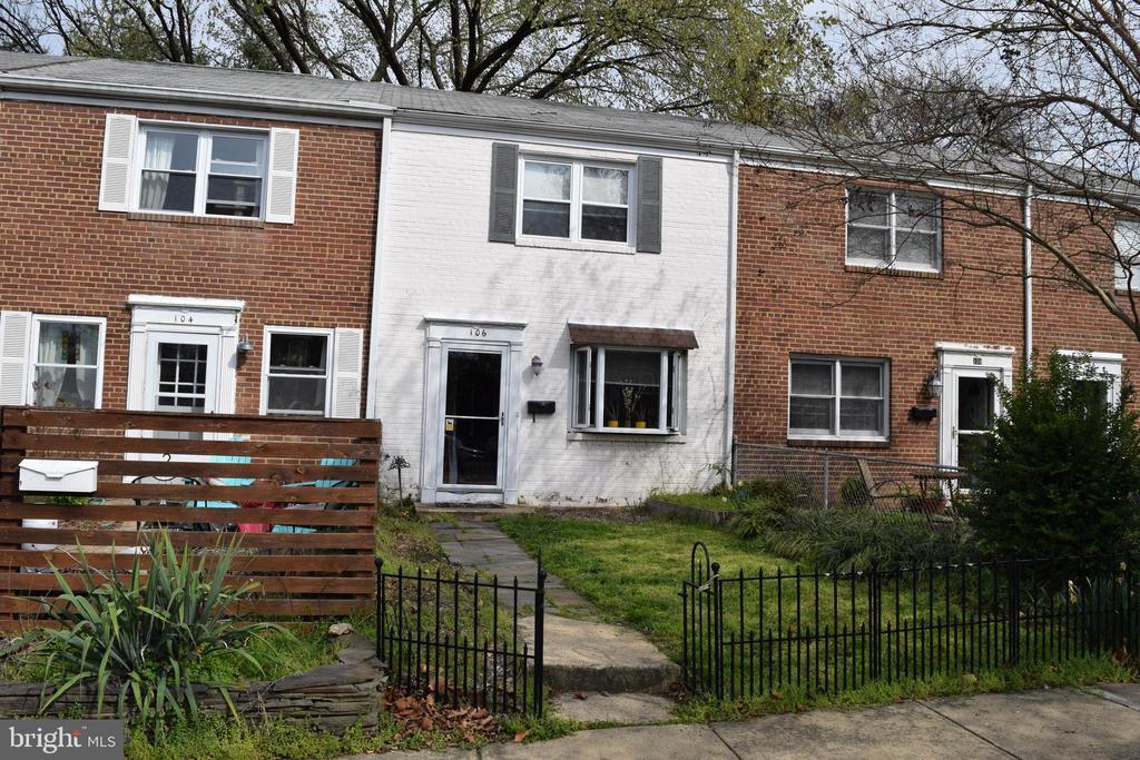 106 E Rosemont Ave