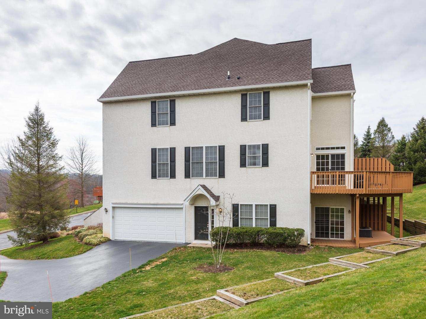 706 Whispering Brooke Drive Newtown Square, PA 19073