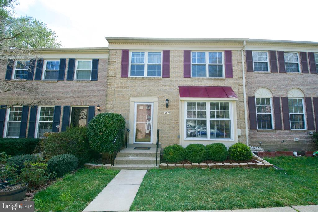 One of West Springfield 3 Bedroom Homes for Sale at 6647  SUMMER GRAPE COURT