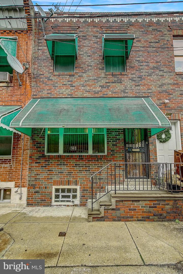 1817 S Rosewood Street Philadelphia, PA 19145