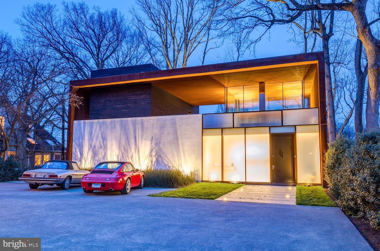 Bethesda                                                                      , MD - $3,495,000