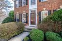 7003 Clifton Knoll Ct