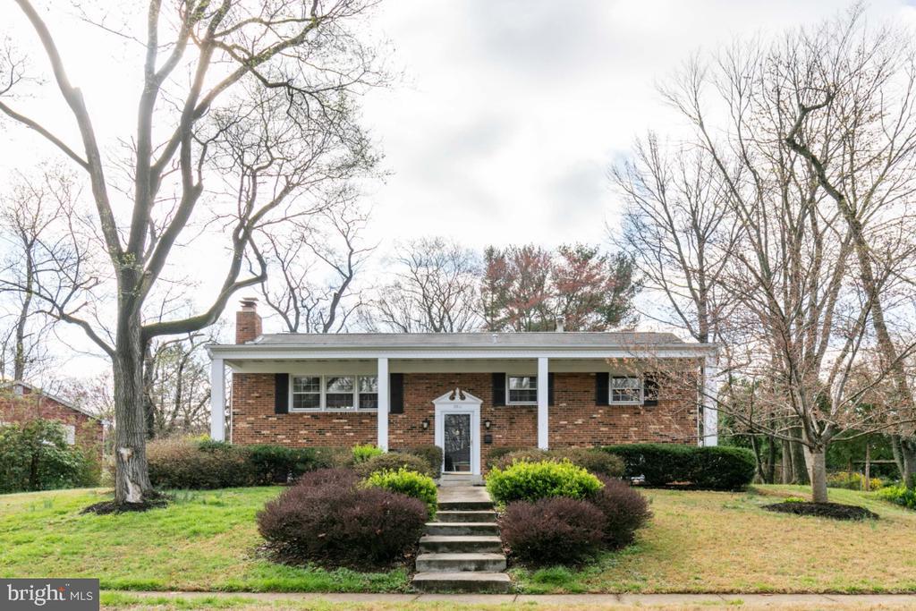 Fairfax Homes for Sale -  Farm,  9511  FARMVIEW COURT
