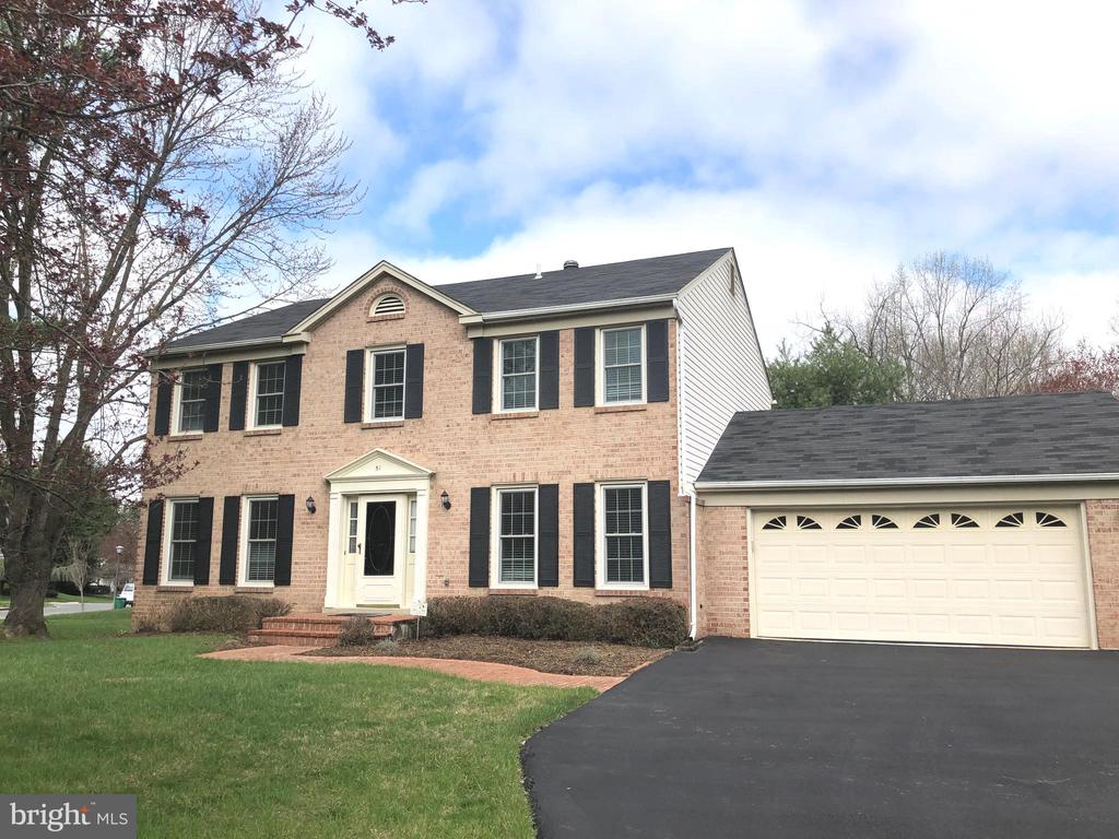 51 TREWORTHY ROAD, GAITHERSBURG, Maryland 20878, 5 Bedrooms Bedrooms, ,3 BathroomsBathrooms,Residential,For Sale,TREWORTHY,MDMC692672