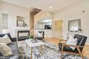 1404 Roundhouse Ln #503