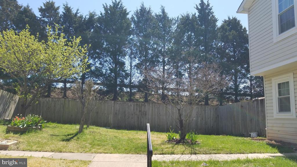 6118 HOSKINS HOLLOW CIRCLE, CENTREVILLE, FAIRFAX Virginia 20121, 3 Bedrooms Bedrooms, 3 Rooms Rooms,2 BathroomsBathrooms,Residential Lease,For Rent,HOSKINS HOLLOW,VAFX1120534