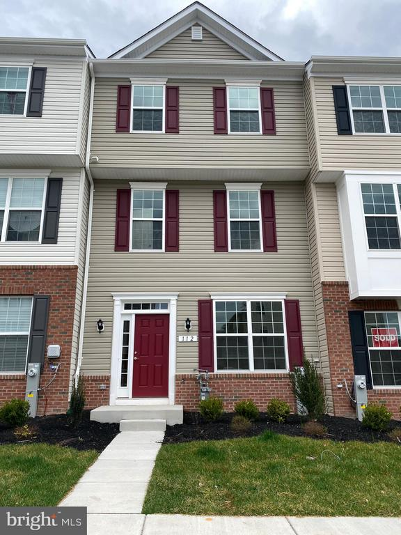 112 IRONWOOD COURT, BALTIMORE, Maryland 21237, 4 Bedrooms Bedrooms, ,3 BathroomsBathrooms,Residential Lease,For Rent,IRONWOOD,MDBC490238