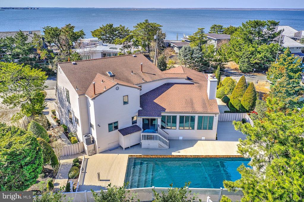 57  BAYVIEW DRIVE, Long Beach Island, New Jersey