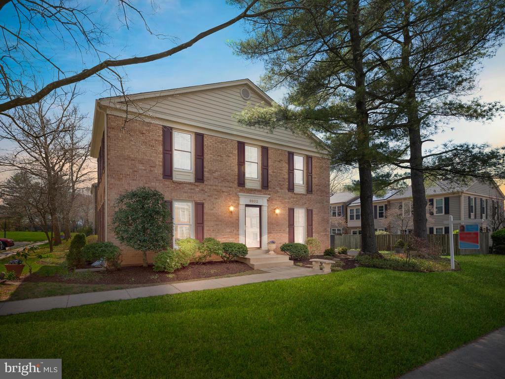 9932 TAMBAY COURT, GAITHERSBURG, Maryland 20886, 4 Bedrooms Bedrooms, 11 Rooms Rooms,2 BathroomsBathrooms,Residential,For Sale,TAMBAY,MDMC701346