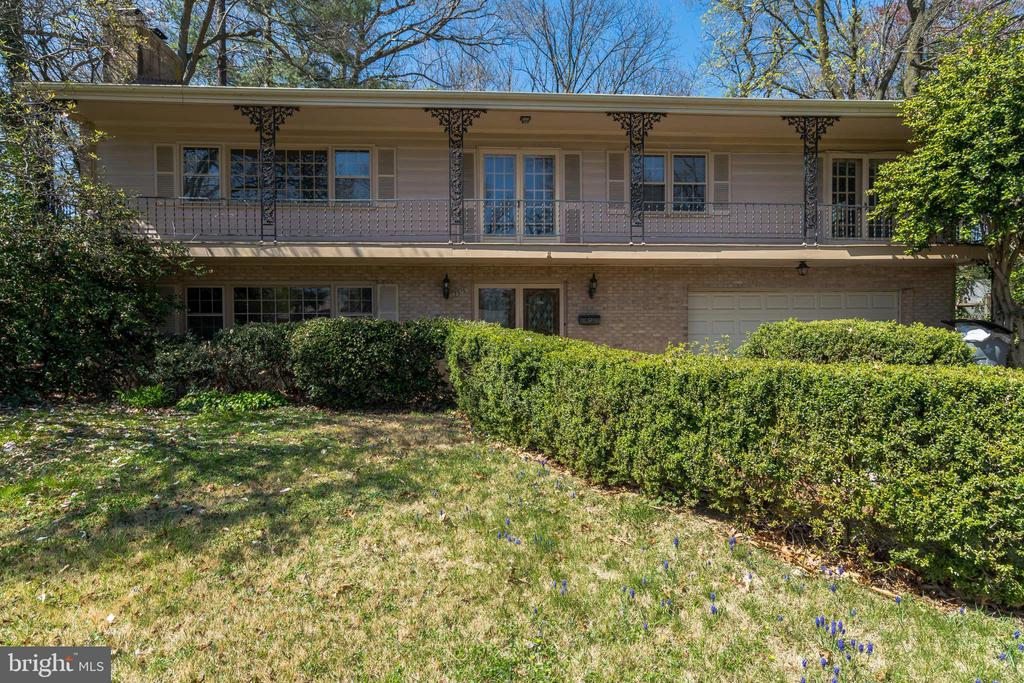 7516  SALEM ROAD, one of homes for sale in Falls Church