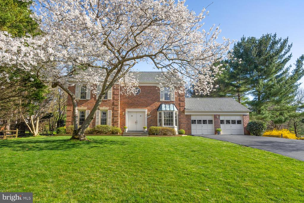 16021 FAWNLILLY COURT, ROCKVILLE, Maryland 20853, 5 Bedrooms Bedrooms, ,3 BathroomsBathrooms,Residential,For Sale,FAWNLILLY,MDMC702454