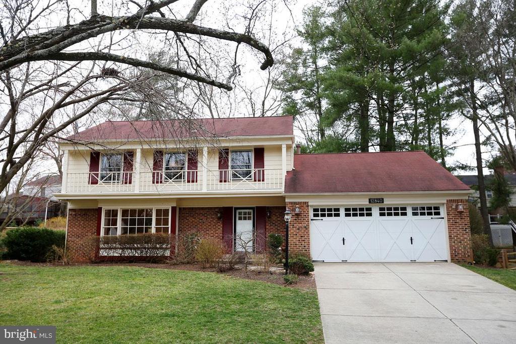 12840 HUNTSMAN WAY, POTOMAC, Maryland 20854, 4 Bedrooms Bedrooms, ,2 BathroomsBathrooms,Residential Lease,For Rent,HUNTSMAN,MDMC702410