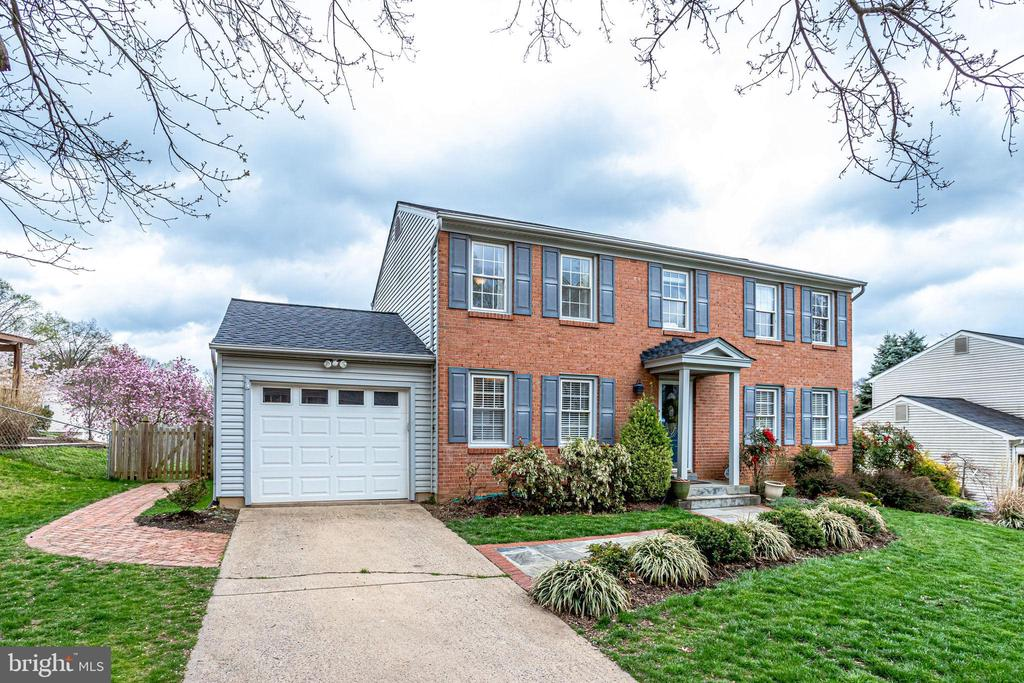 7636  TRAIL RUN ROAD, Falls Church, Virginia