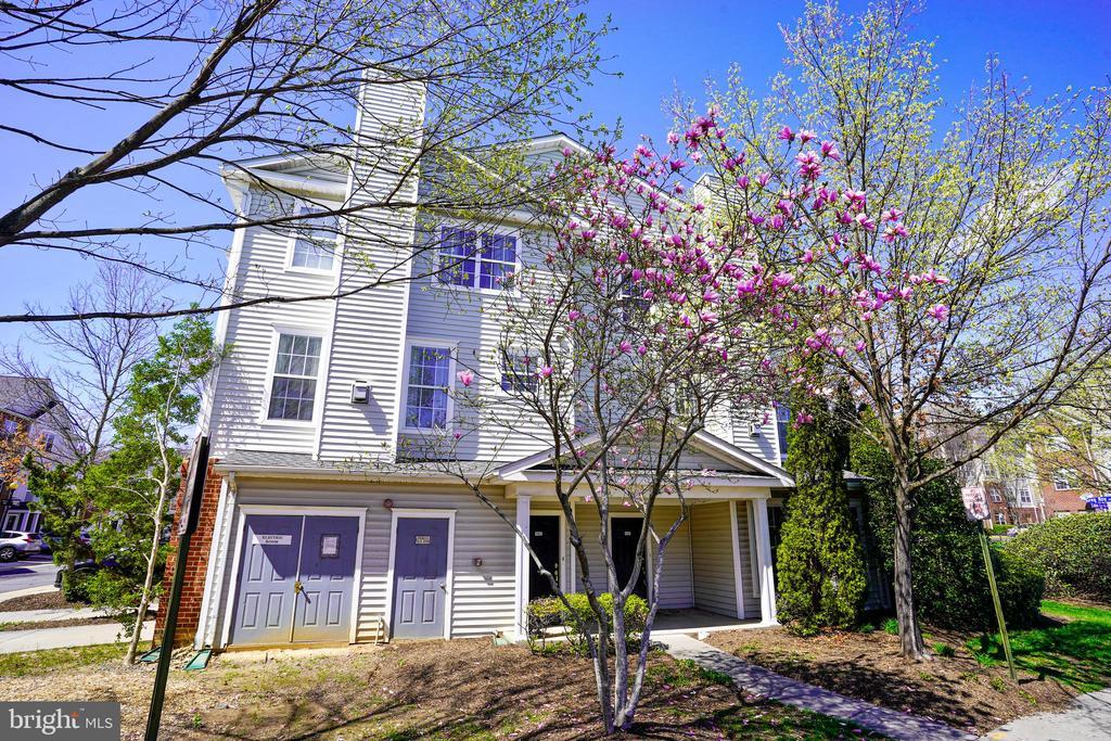 13050 MARCEY CREEK ROAD, HERNDON, FAIRFAX Virginia 20171, 3 Bedrooms Bedrooms, ,2 BathroomsBathrooms,Residential,For Sale,MARCEY CREEK,1,VAFX1116222