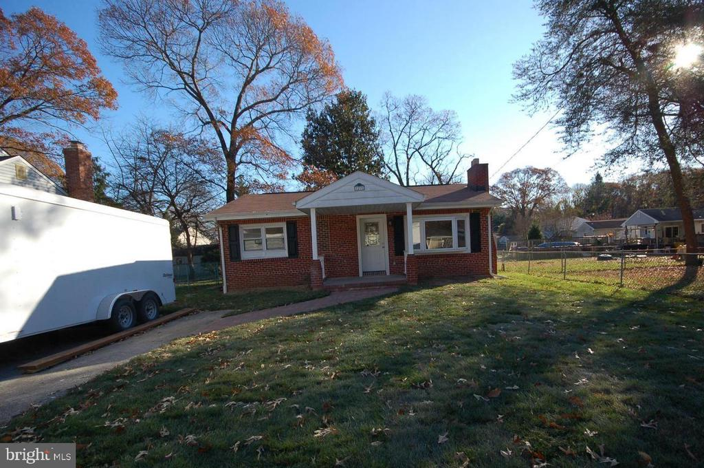 29 CARROLL ROAD, PASADENA, Maryland 21122, 2 Bedrooms Bedrooms, ,2 BathroomsBathrooms,Residential Lease,For Rent,CARROLL,MDAA430548