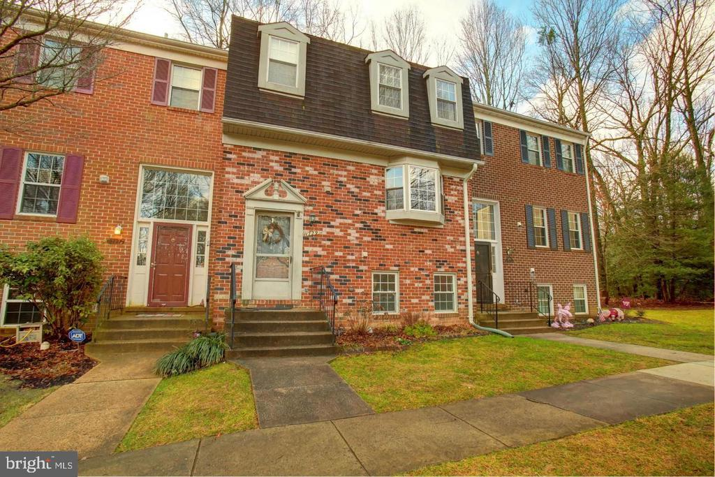 11729 DRY RIVER COURT, RESTON, Virginia 20191, 4 Bedrooms Bedrooms, ,3 BathroomsBathrooms,Residential Lease,For Rent,DRY RIVER,VAFX1121152