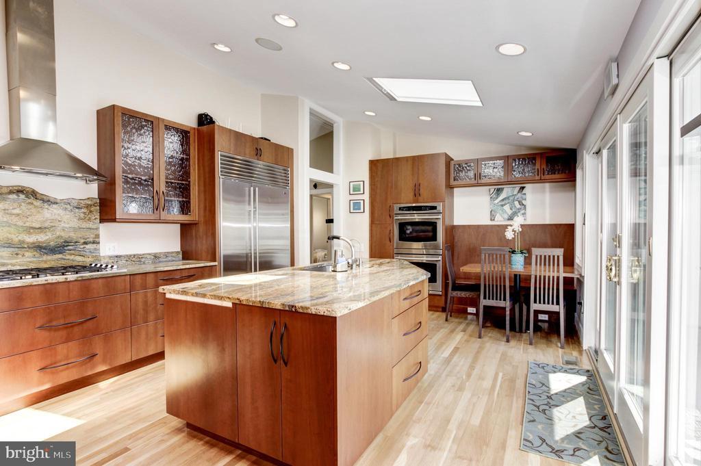 11610 KAREN DRIVE, POTOMAC, Maryland 20854, 4 Bedrooms Bedrooms, ,4 BathroomsBathrooms,Residential,For Sale,KAREN,MDMC702338