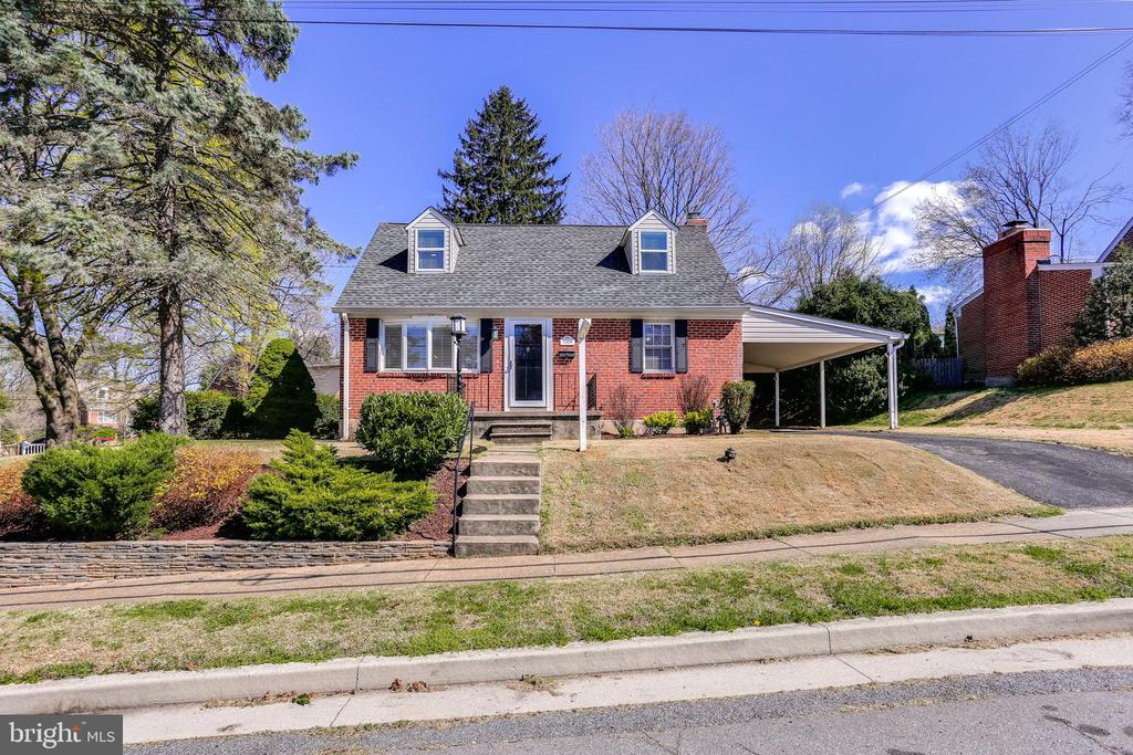 1304 MCCURLEY AVENUE, CATONSVILLE, BALTIMORE Maryland 21228, 3 Bedrooms Bedrooms, 11 Rooms Rooms,2 BathroomsBathrooms,Residential,For Sale,MCCURLEY,MDBC489544