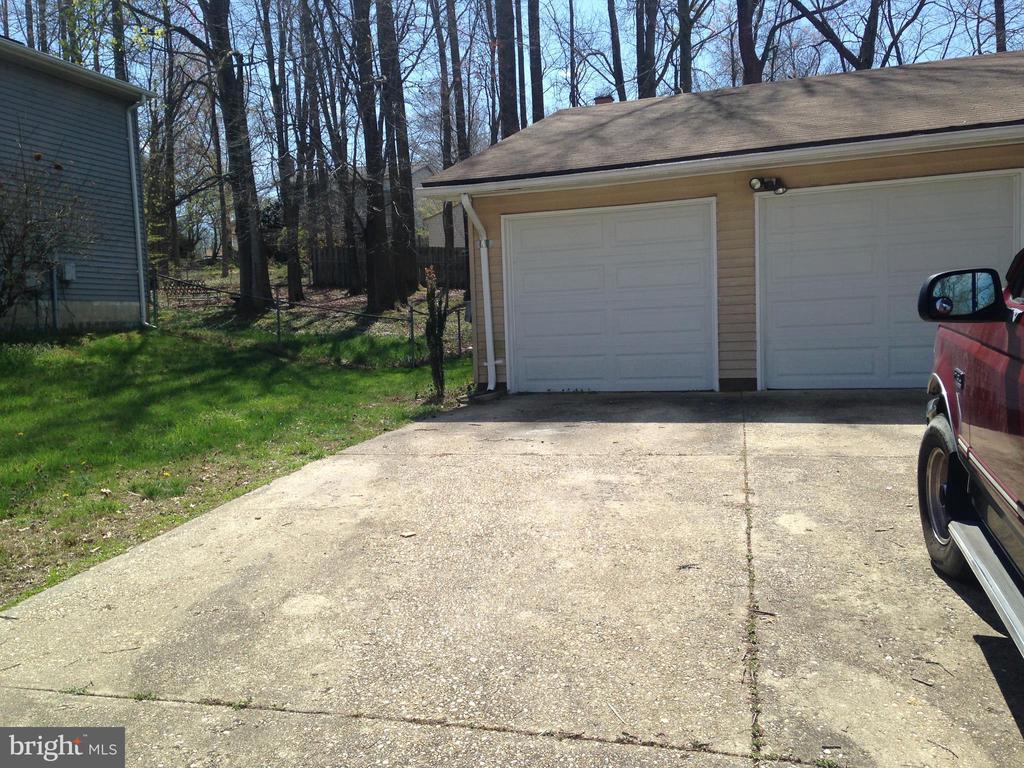 10803 KING EDWARD DRIVE, UPPER MARLBORO, Maryland 20772, 3 Bedrooms Bedrooms, ,2 BathroomsBathrooms,Residential,For Sale,KING EDWARD,MDPG563756