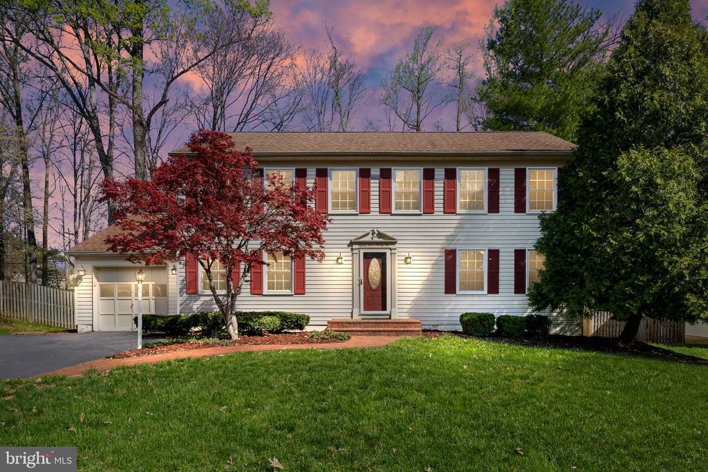 8492 FALLING LEAF ROAD, SPRINGFIELD, Virginia 22153, 5 Bedrooms Bedrooms, ,2 BathroomsBathrooms,Residential Lease,For Rent,FALLING LEAF,VAFX1120218
