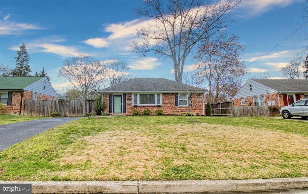 1608 LAFAYETTE DRIVE, ALEXANDRIA, Virginia 22308, 3 Bedrooms Bedrooms, ,2 BathroomsBathrooms,Residential,For Sale,LAFAYETTE,VAFX1116954