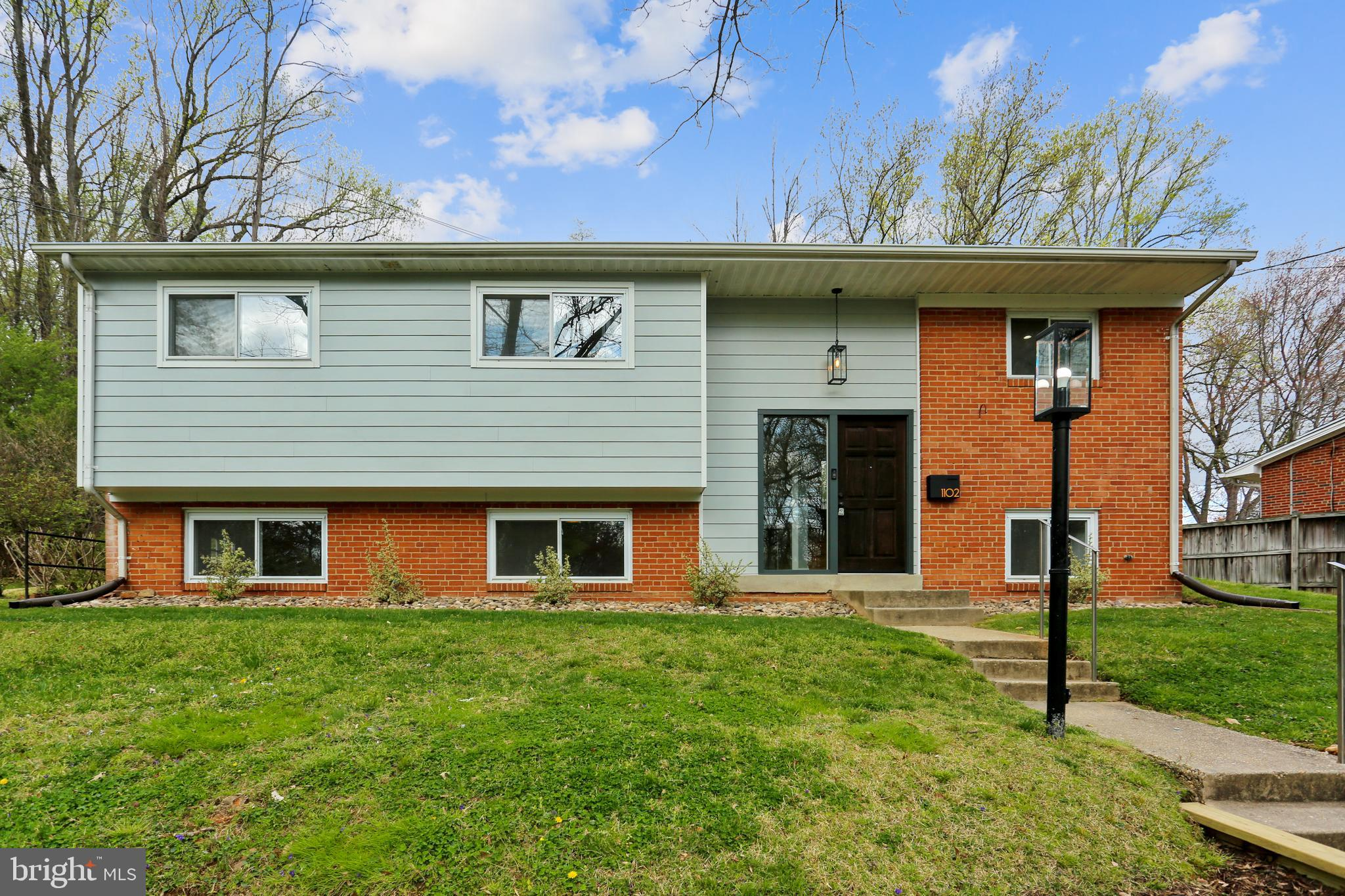 1102 OAKVIEW DRIVE, SILVER SPRING, MD 20903