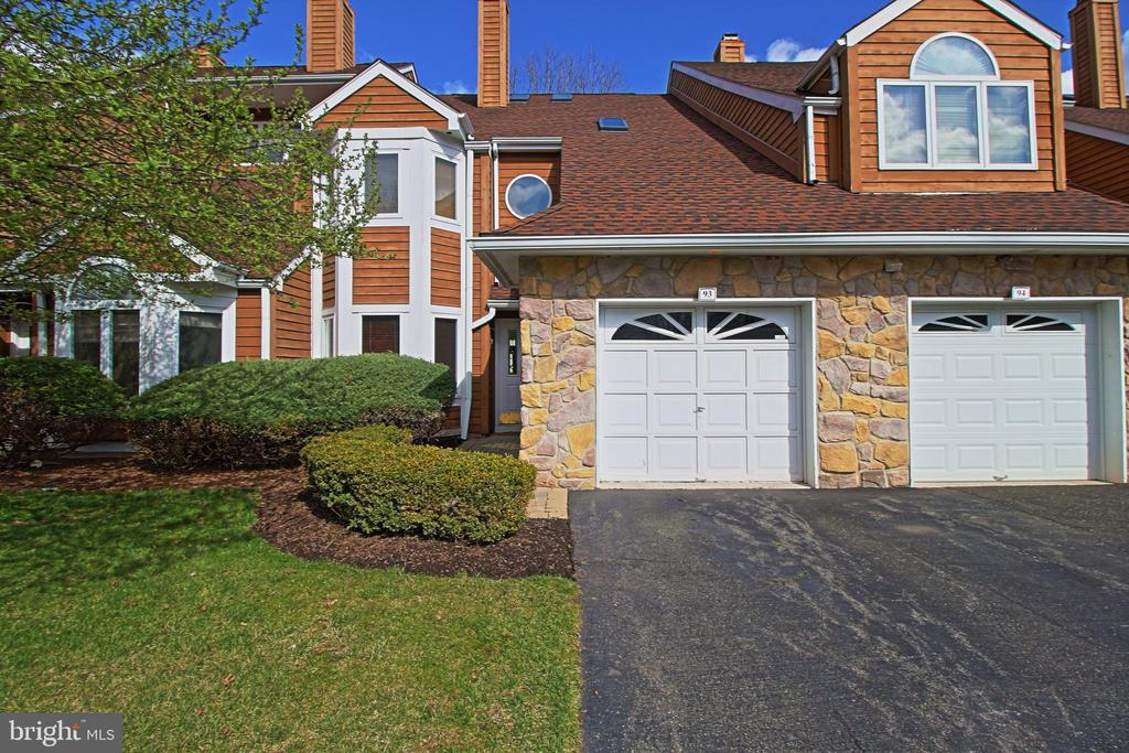 93  KINGSWOOD COURT, EDISON in MIDDLESEX County, NJ 08820 Home for Sale