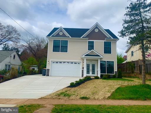 3208 Wayne Rd, Falls Church, VA 22042