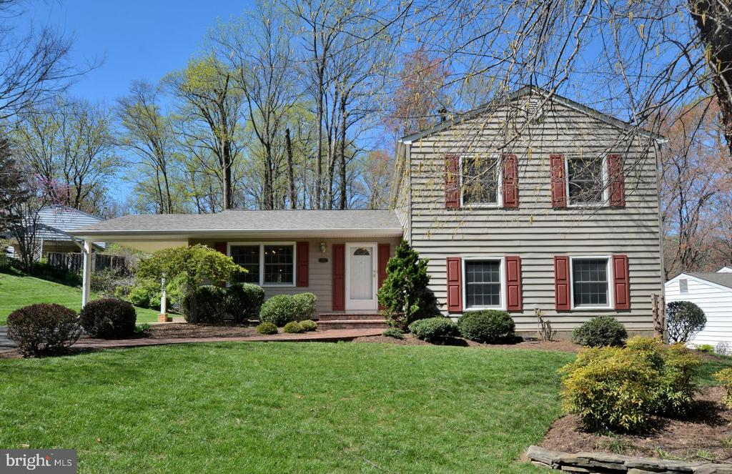 2212  SENSENEY LANE, Falls Church, Virginia