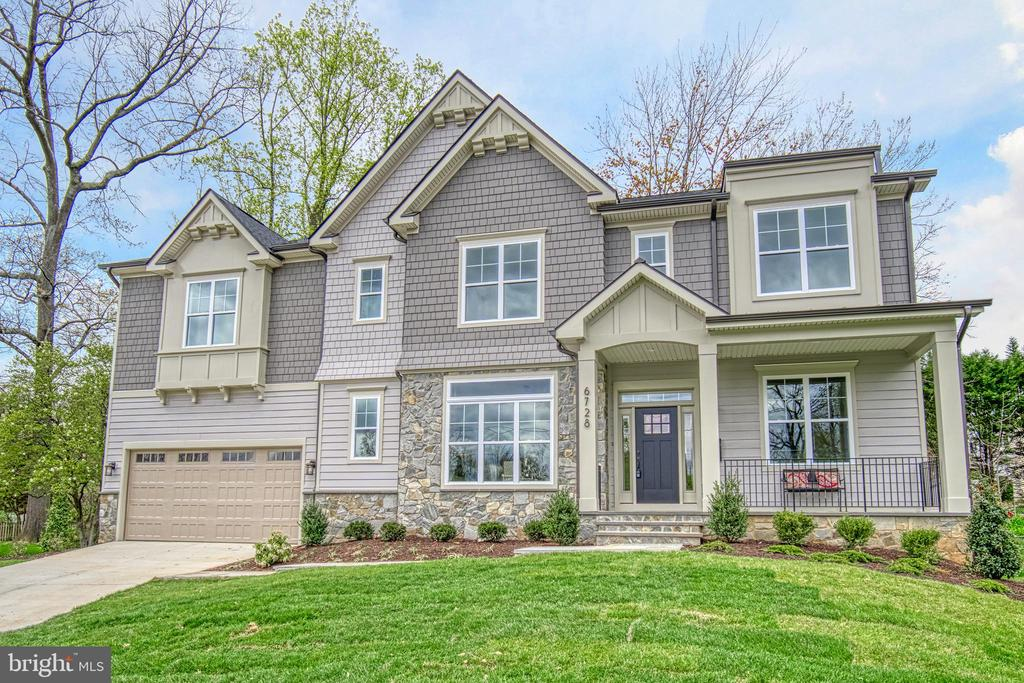 6728  CREST PLACE, Falls Church, Virginia
