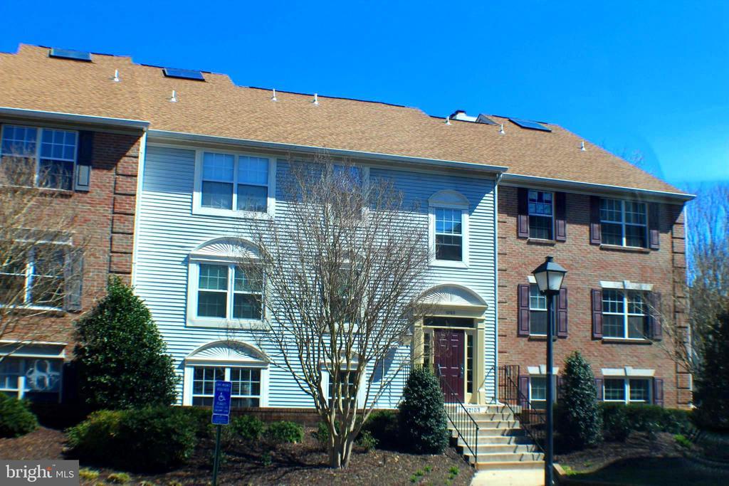 12103  GREENWAY COURT  101, Fairfax, Virginia